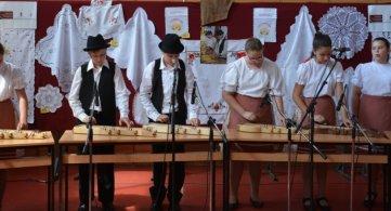 Више од 150 ученика свирало цитре у Србобрану