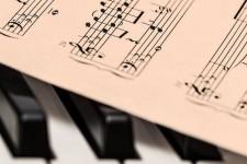 """И млади Србобранци у акцији """"Музика за суграђане"""""""