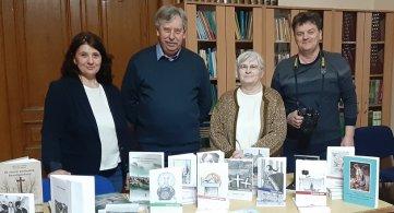 Народној библиотеци књиге на поклон од КЦ Нандор Гион